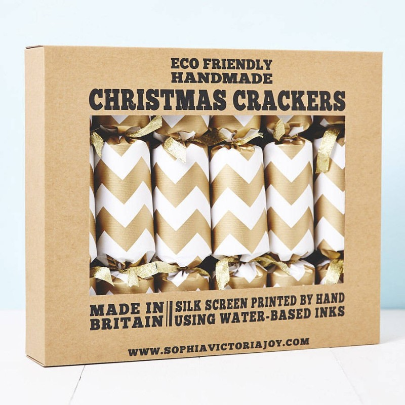 gold-chevron-white-christmas-crackers